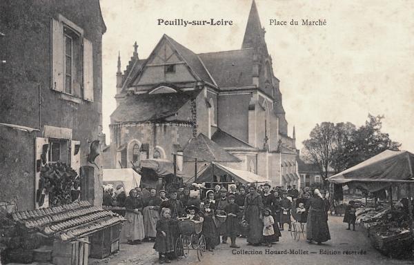 Pouilly-sur-Loire (Nièvre) La place du marché CPA