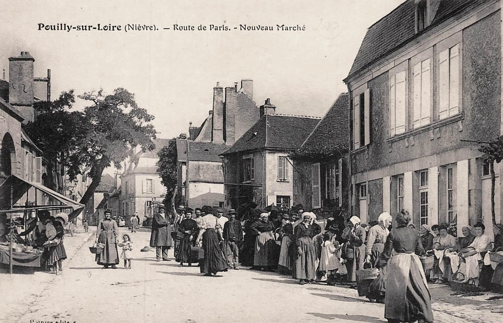 Pouilly-sur-Loire (Nièvre) La rue de Paris CPA