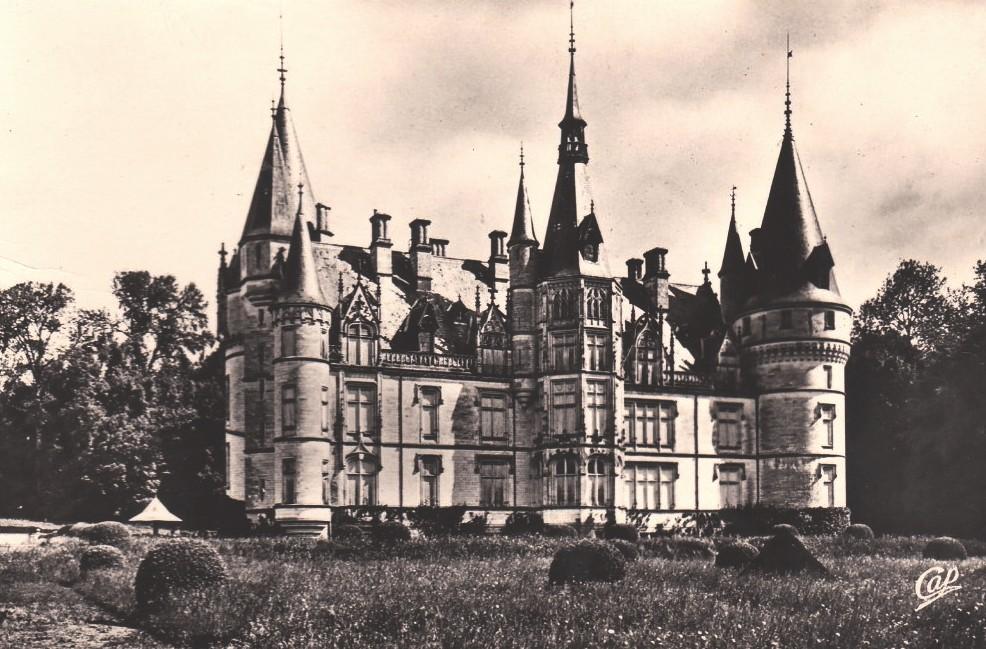 Pouilly-sur-Loire (Nièvre) Le château du Nozet CPA