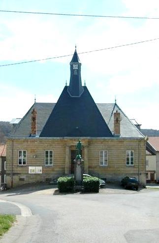 Pouilly-sur-Meuse (Meuse) La Mairie