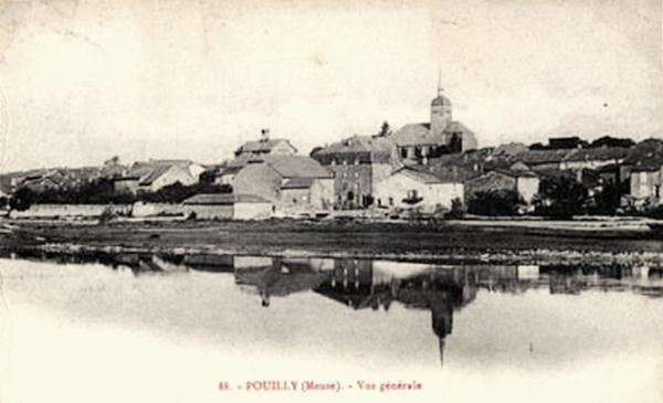Pouilly-sur-Meuse (Meuse) Vue générale CPA