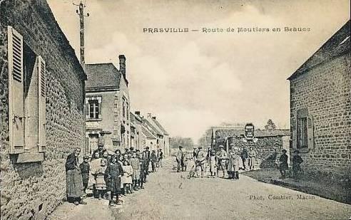 Prasville (28) La route de Moutiers-en-Beauce CPA