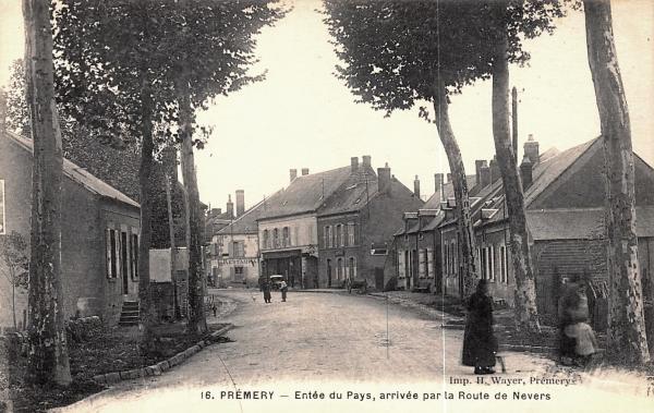 Prémery (Nièvre) L'entrée de la ville CPA