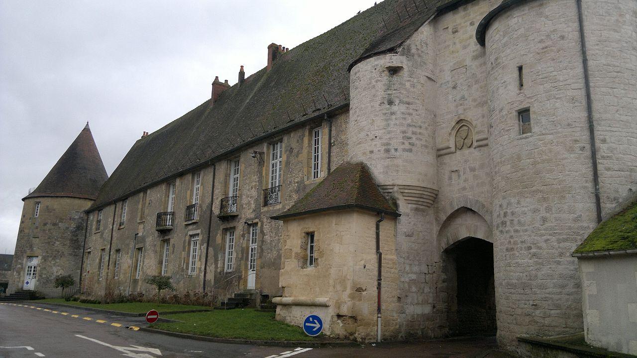 Prémery (Nièvre) Le château