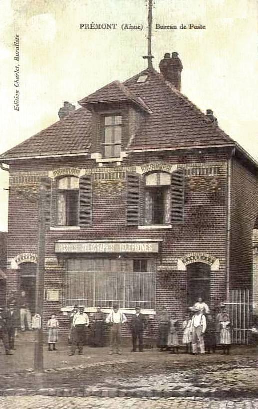 Prémont (Aisne) CPA Bureau de poste