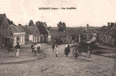 Prémont (Aisne) CPA Rue Largillière