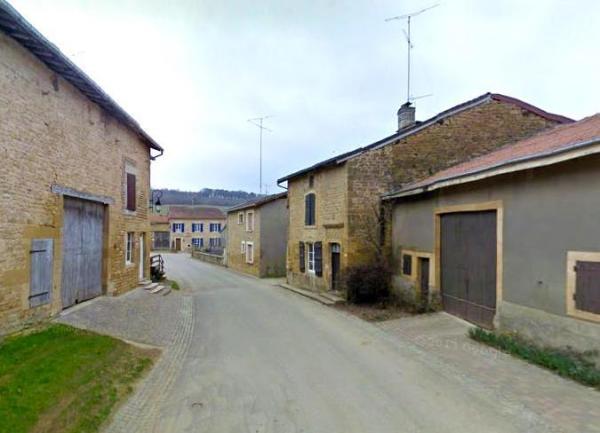 Quincy-Landzécourt (Meuse) La rue de l'église