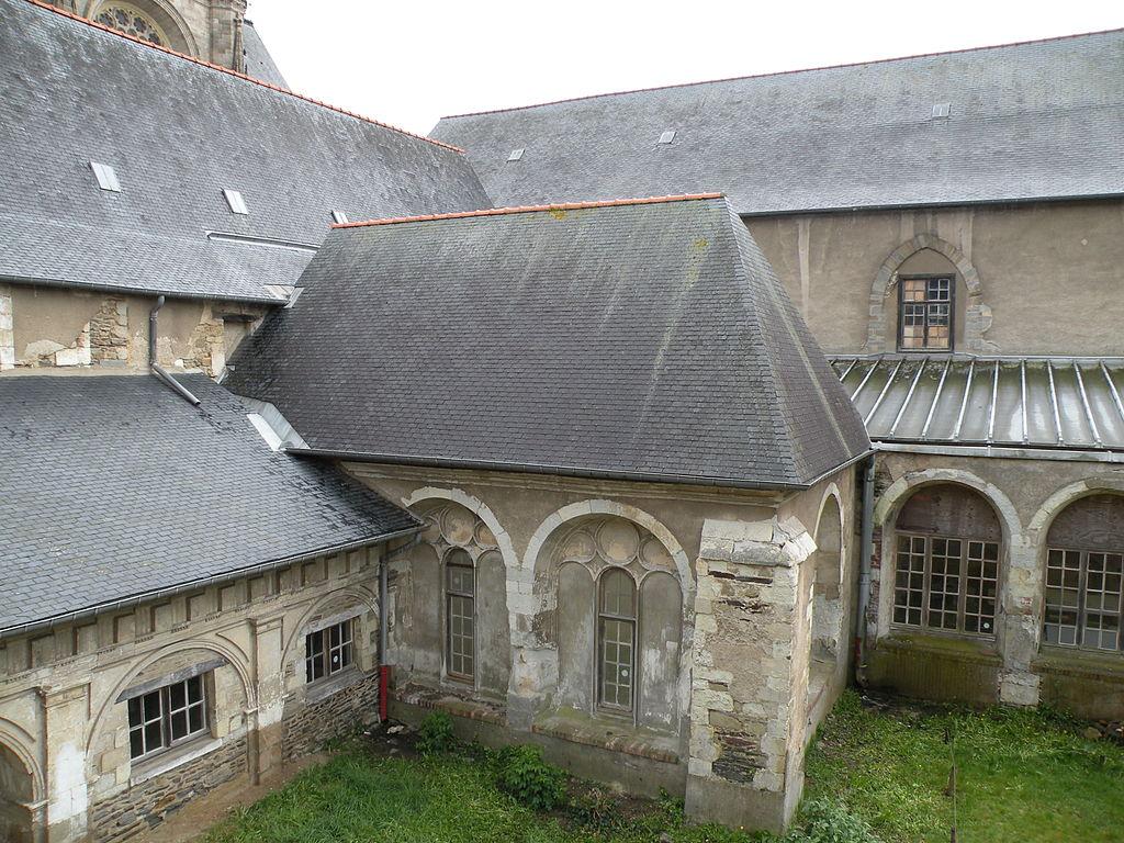 Rennes (Ille-et-Vilaine) L'ancien couvent des Jocobins, cour intérieure