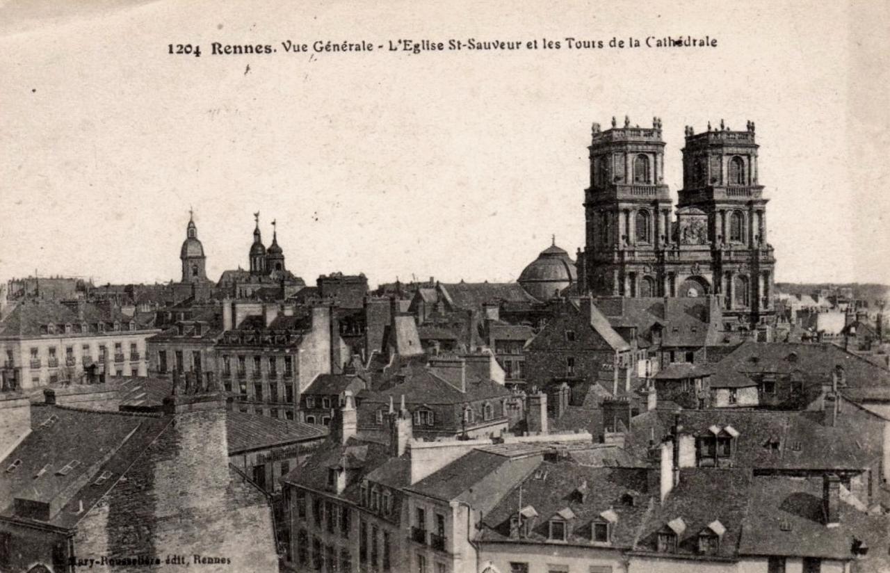 Rennes (Ille-et-Vilaine) La basilique Saint-Sauveur et la cathédrale CPA