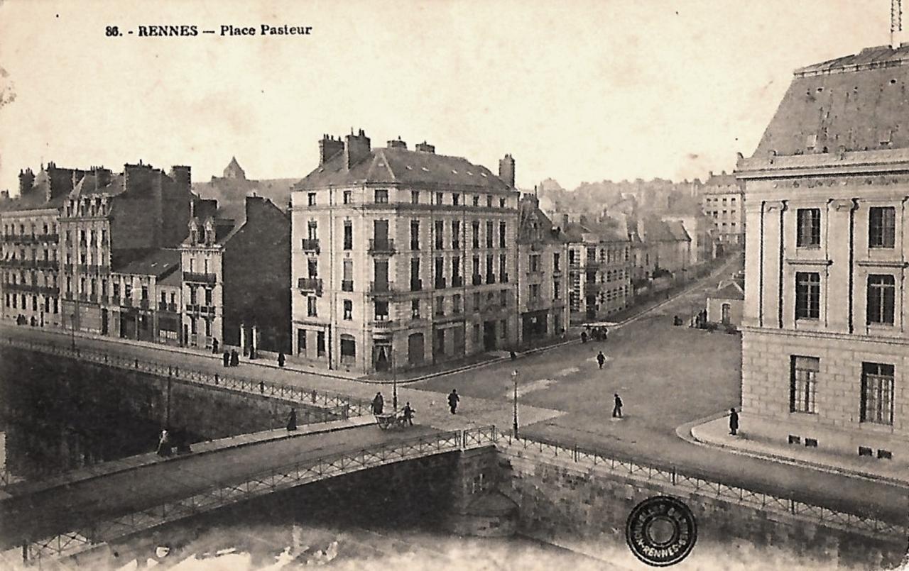 Rennes (Ille-et-Vilaine) La place Pasteur CPA