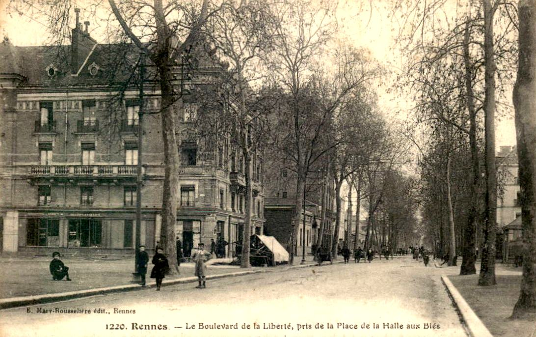 Rennes (Ille-et-Vilaine) Le Boulevard de la Liberté CPA