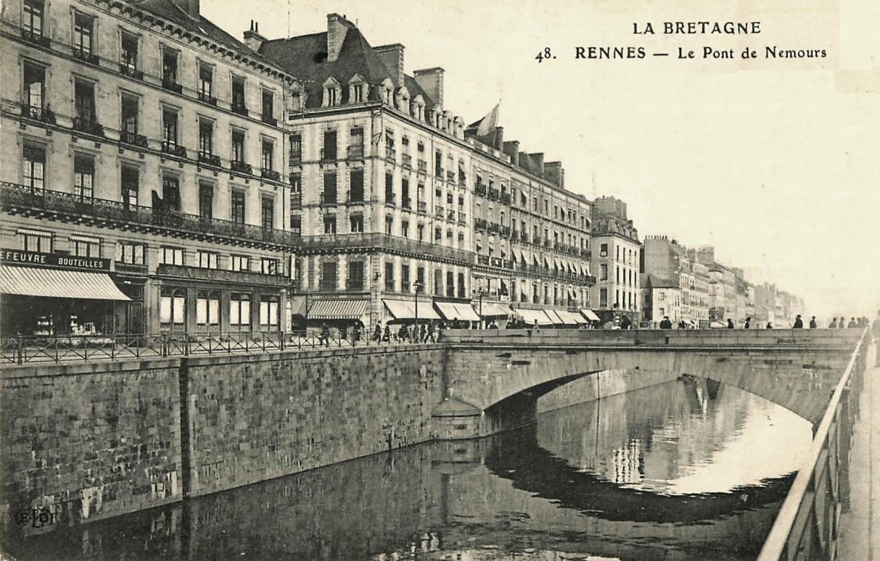 Rennes (Ille-et-Vilaine) Le pont de Nemours CPA