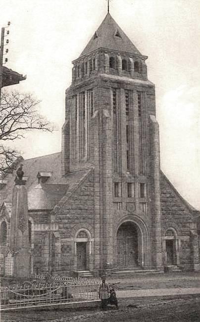 Romagne-sous-Montfaucon (Meuse) CPA L'église après 1925 CPA