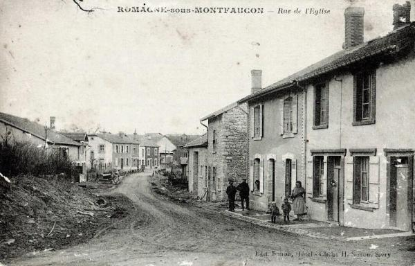 Romagne-sous-Montfaucon (Meuse)  La rue de l'église CPA