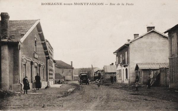Romagne-sous-Montfaucon (Meuse)  La rue de la Poste CPA