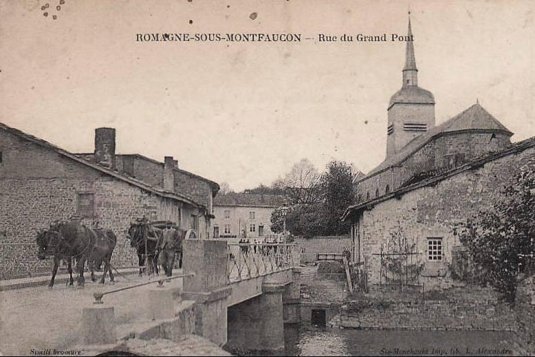 Romagne-sous-Montfaucon (Meuse)  La rue du Grand pont CPA