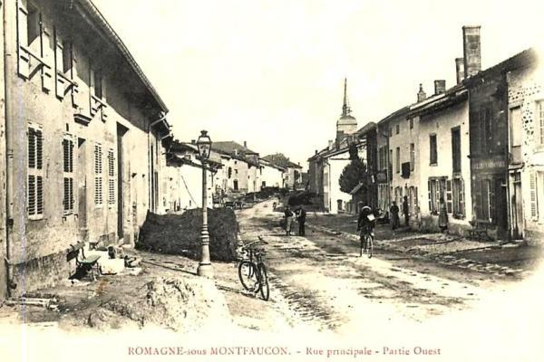 Romagne-sous-Montfaucon (Meuse)  La rue principale CPA3