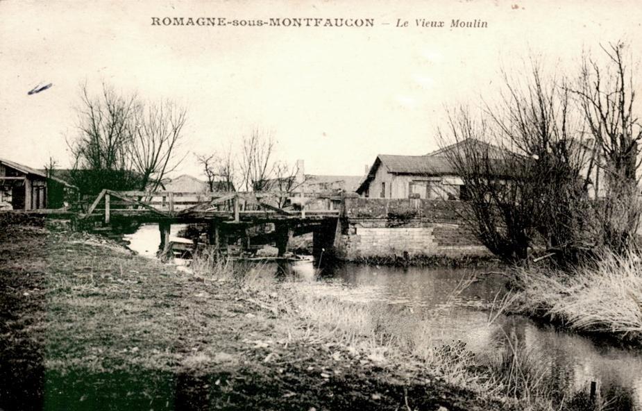 Romagne-sous-Montfaucon (Meuse) Le moulin à eau en 1929 CPA