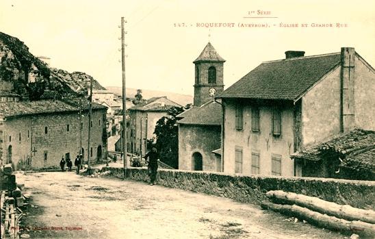 Roquefort-sur-Soulzon (Aveyron) CPA L'église paroissiale
