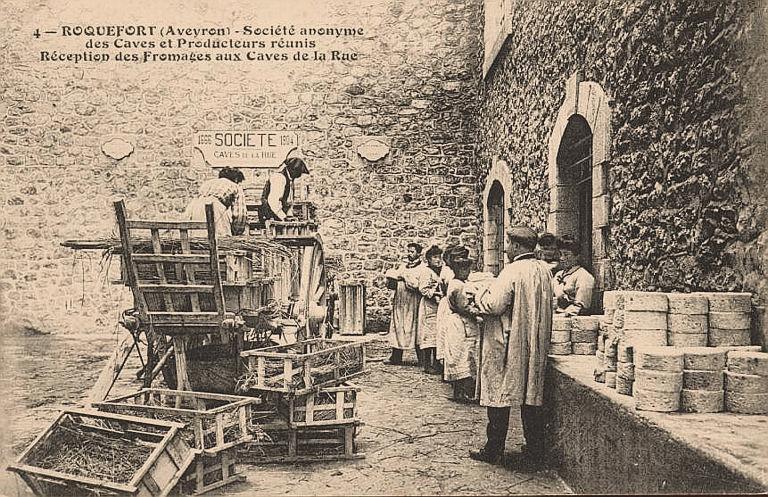 Roquefort-sur-Soulzon (Aveyron) CPA