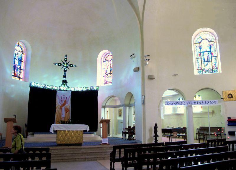 Roquefort-sur-Soulzon (Aveyron) L'église paroissiale