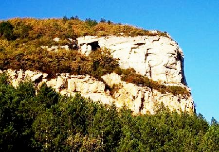 Roquefort-sur-Soulzon (Aveyron) Le Combalou