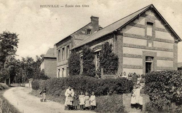 Rouville (Seine Maritime) Ecole des filles CPA