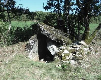 Saint-Affrique (Aveyron) Boussac, le dolmen de Puech Ubilié