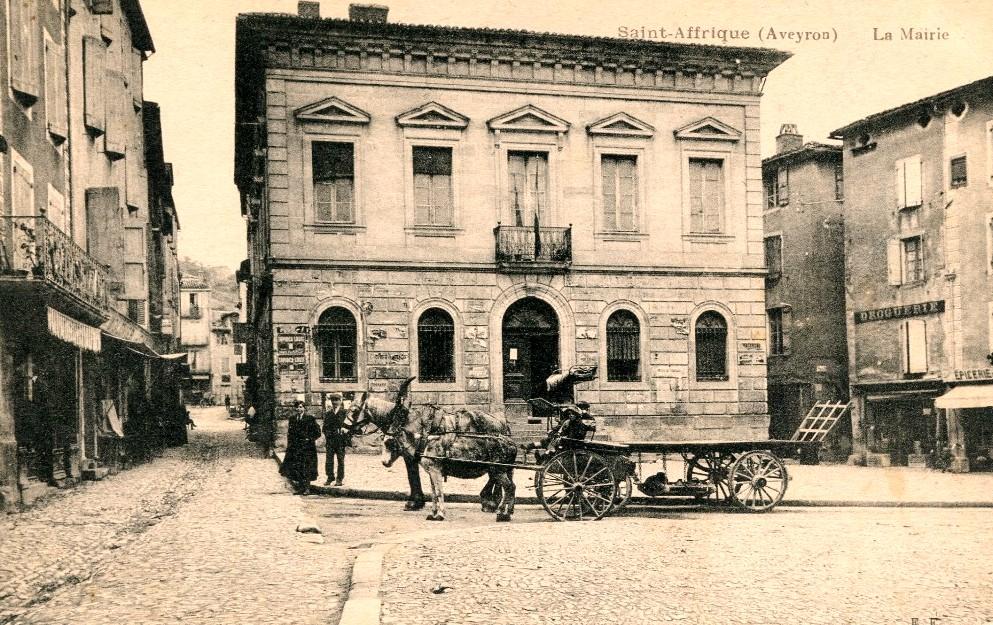 Saint-Affrique (Aveyron) CPA la mairie