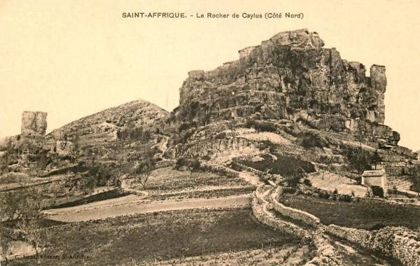 Saint-Affrique (Aveyron) CPA le rocher de Caylus