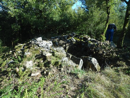 Saint-Affrique (Aveyron) Crassous, le dolmen de Sautet