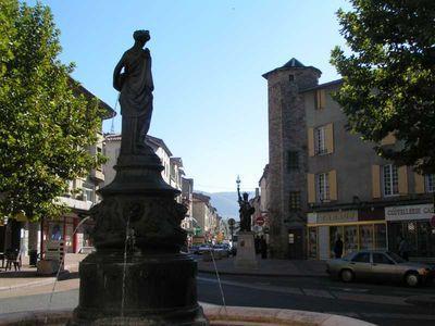 Saint-Affrique (Aveyron) la tour du Bastie