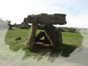 Saint-Affrique (Aveyron) Tiergues, le dolmen