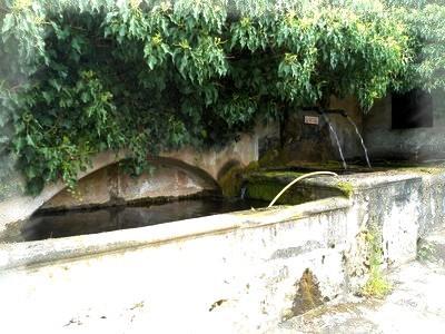 Saint-Affrique (Aveyron) Truans, la fontaine