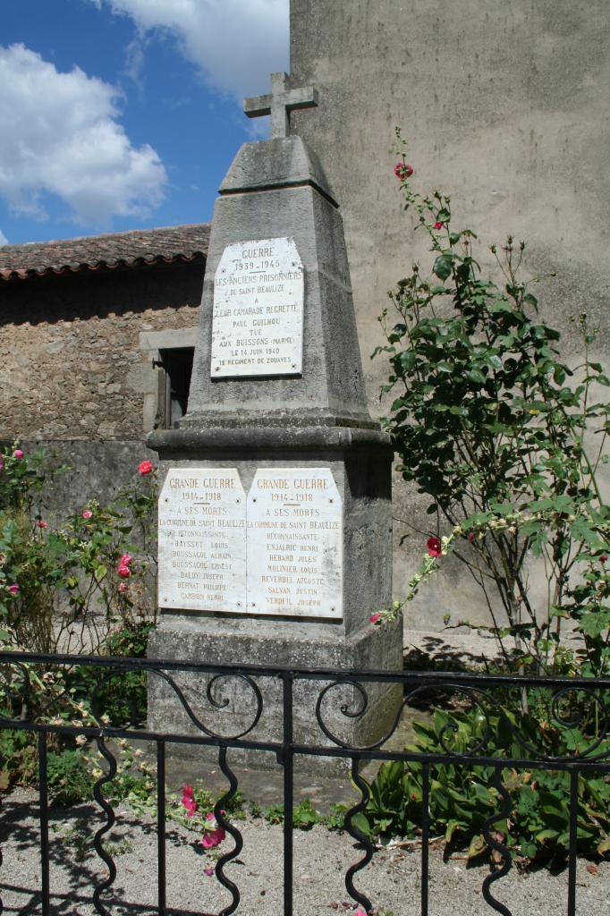 Saint-Beaulize (Aveyron) Le monument aux morts