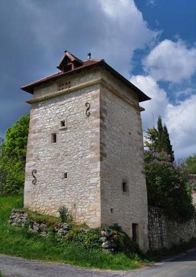 Saint-Beauzile (Tarn) un pigeonnier
