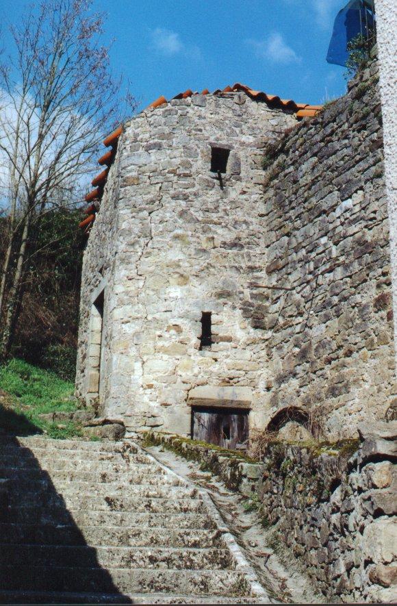 Saint-Félix-de-Sorgues (Aveyron) la tour Ouest