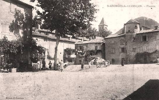 Saint-Georges-de-Luzençon (Aveyron) La placette