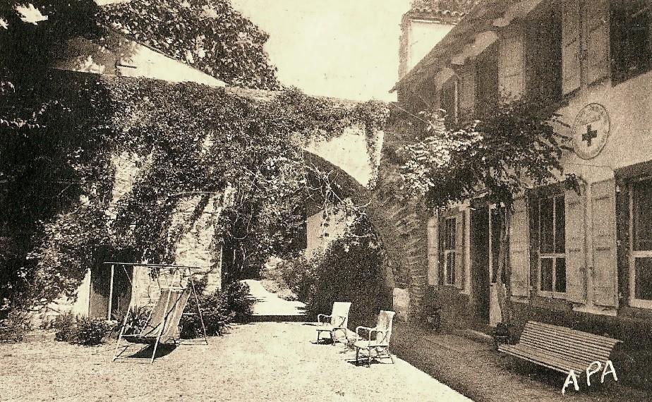Saint-Georges-de-Luzençon (Aveyron) La villa des Tilleuls