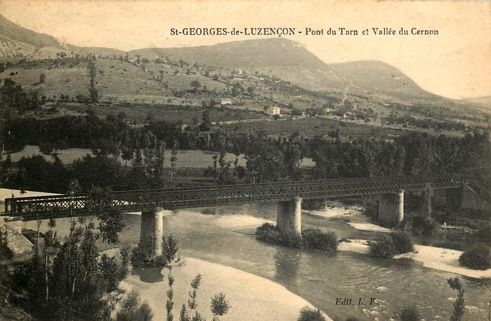 Saint-Georges-de-Luzençon (Aveyron) Le pont du Tarn et la vallée