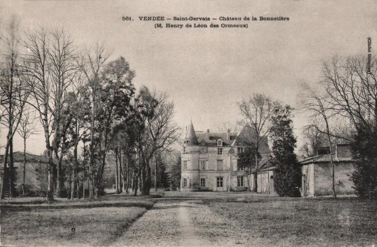 Saint-Gervais (Vendée) Le château de la Bonnetière vers 1900 CPA