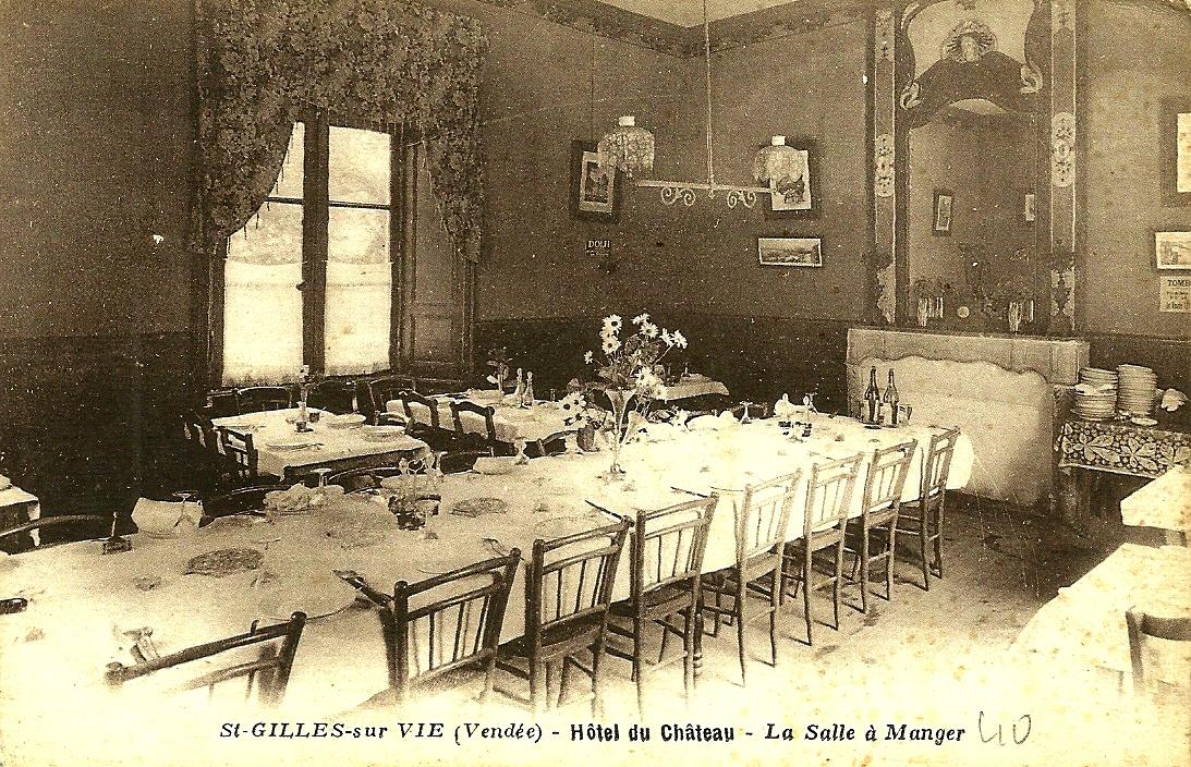 Saint-Gilles-Croix-de-Vie (Vendée) L'hôtel du Château CPA