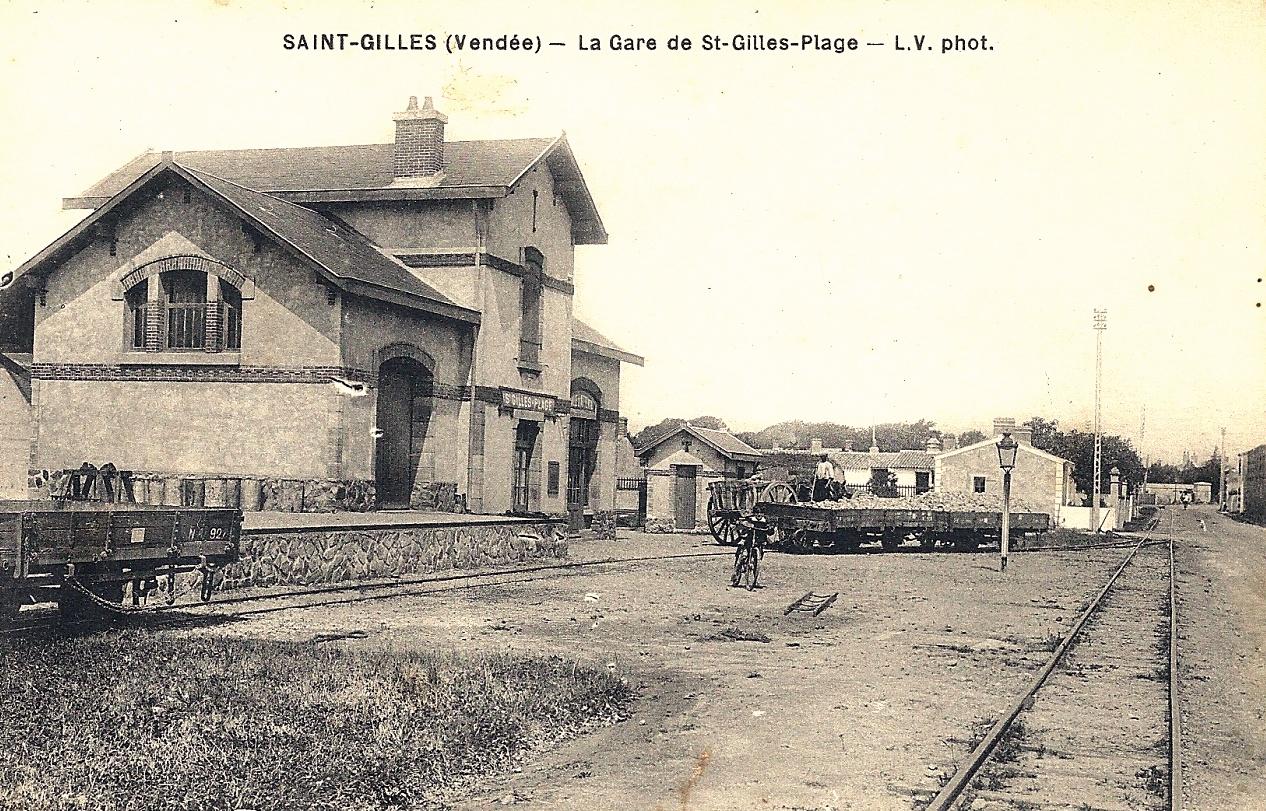 Saint-Gilles-Croix-de-Vie (Vendée) La gare CPA