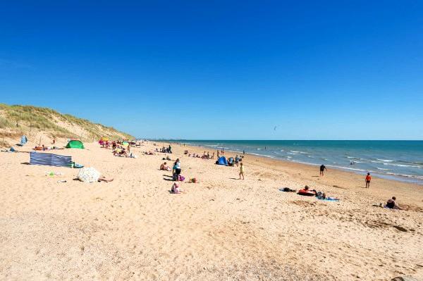 Saint-Hilaire-de-Riez (Vendée) La plage des Salins