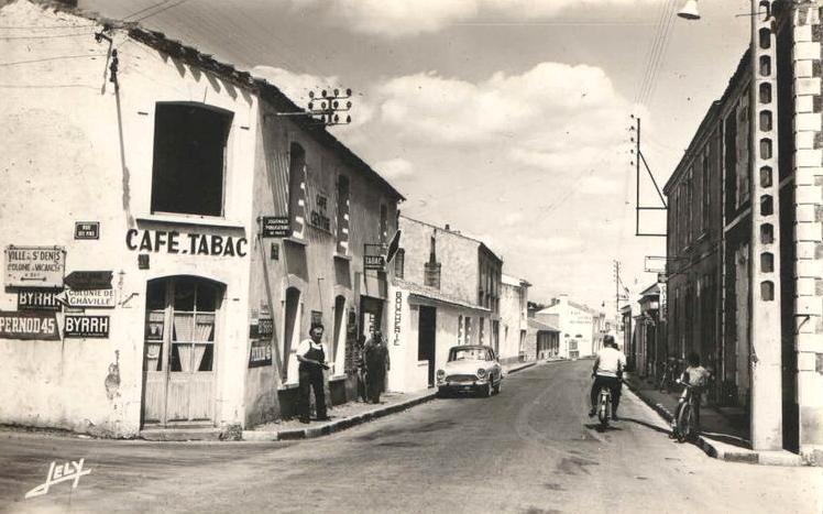 Saint-Hilaire-de-Riez (Vendée) La rue de Verdun CPA