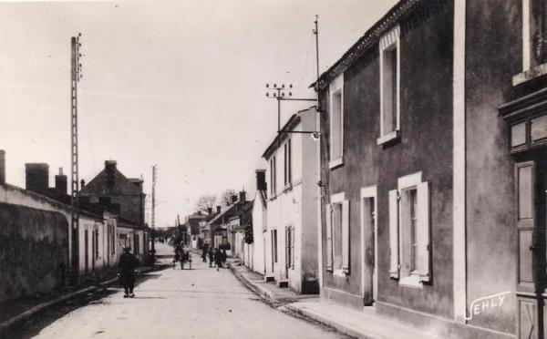 Saint-Hilaire-de-Riez (Vendée) La Rue Principale CPA