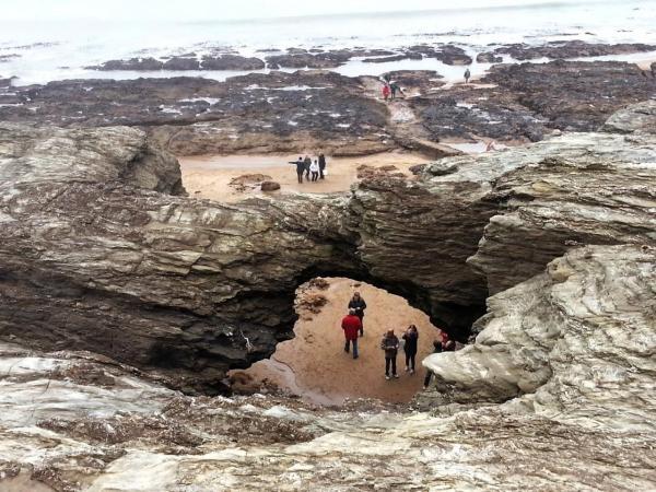 Saint-Hilaire-de-Riez (Vendée) Le trou du diable  à marée basse