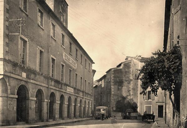Saint-Hippolyte-du-Fort (Gard) CPA L'Hôtel de Ville
