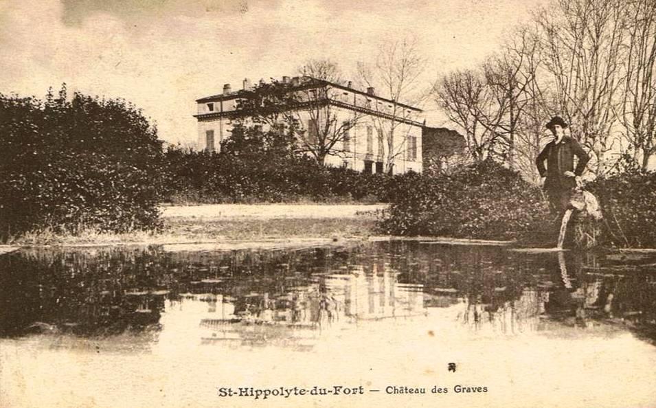 Saint-Hippolyte-du-Fort (Gard) CPA Le château des Graves