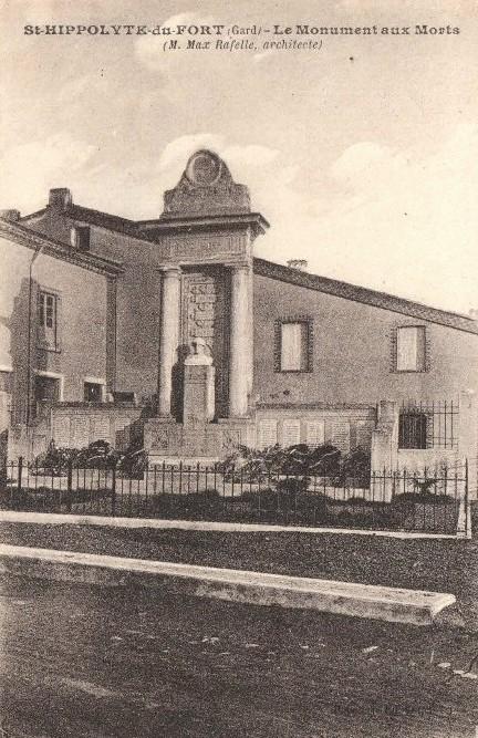 Saint-Hippolyte-du-Fort (Gard) CPA Le monument aux morts
